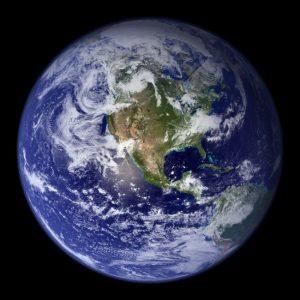 Планета Земля. Вид из космоса на западное полушарие