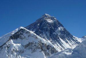 Вид на гору Эверест с вершины Кала-Патхар